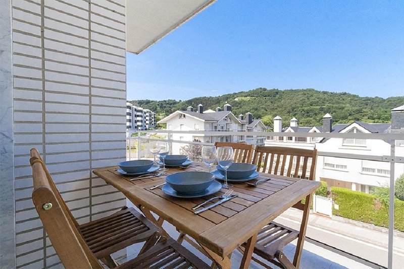 SAN SEBASTIAN BEAUTIFUL APARTMENT, holiday rental in Orio