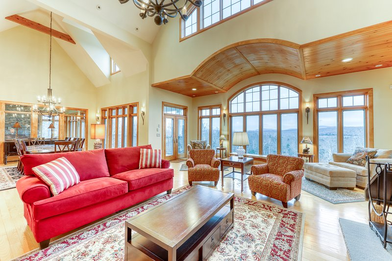 Luxurious mountain rental w/high-end touches, hot tub- dogs ok!, vacation rental in Wardsboro