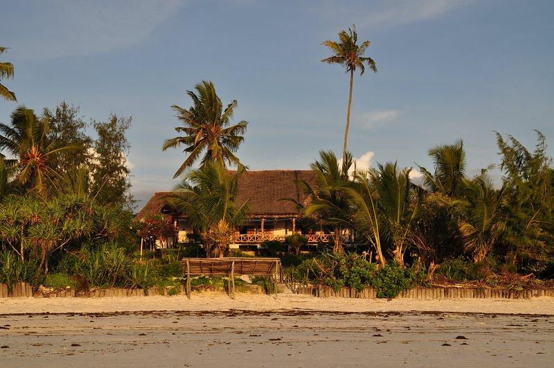 enorme villa sulla spiaggia rentinzanzibar.c