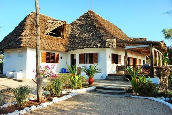 AUTHENTIC Swahili-Colonial 390m² PRIVATE VILLA 3*** hotel service in Matemwe, holiday rental in Zanzibar Island