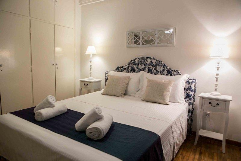 Best House, Kolchidos, Ampelokipoi Metro, Athens, holiday rental in Zografou