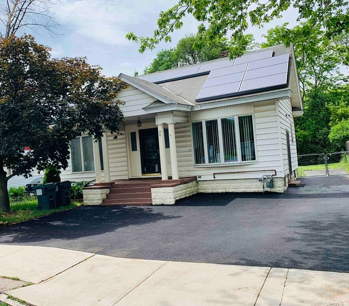Cozy House, Close to Downtown Albany, aluguéis de temporada em Clifton Park