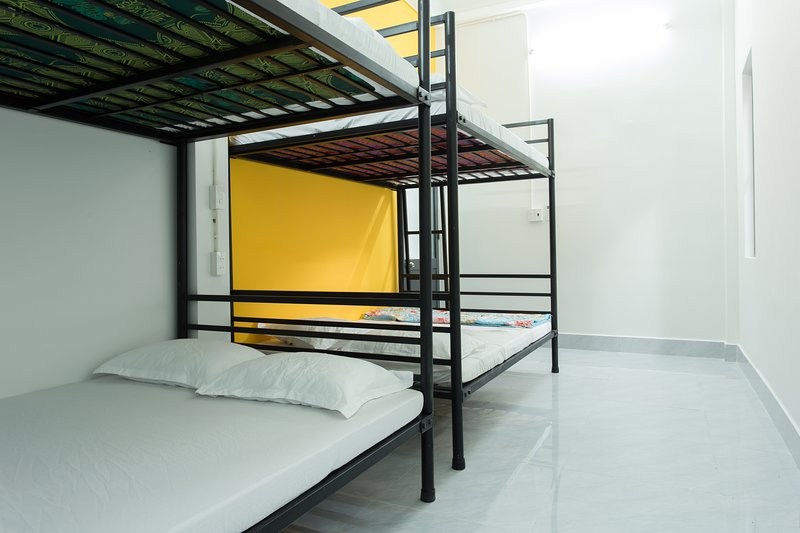 King Homestay - Double Beds As Bunk Beds -Hue City Center, holiday rental in Phu Bai