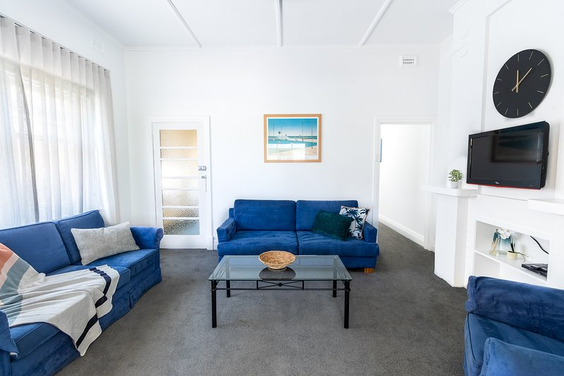 Large & Cosy |  Park Views | Close to everything!, vacation rental in Unley