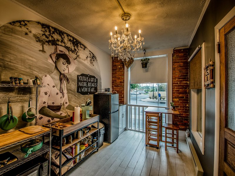 Artist Enclave in Downtown Harrisburg, holiday rental in Linglestown