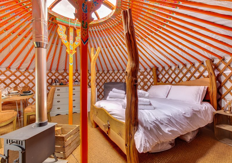 Lapwing Yurt, holiday rental in Raydale