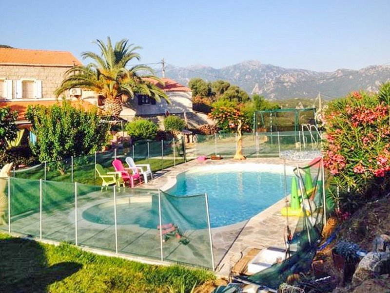 Nice house with shared pool & Wifi, holiday rental in Tizzano