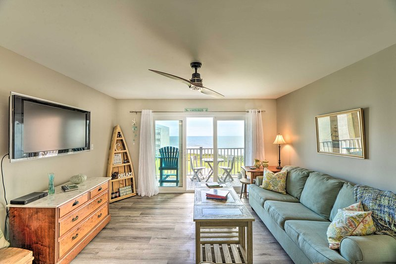 Airy Oceanfront Condo w/Beach Views & Pool Access!, vacation rental in Sneads Ferry