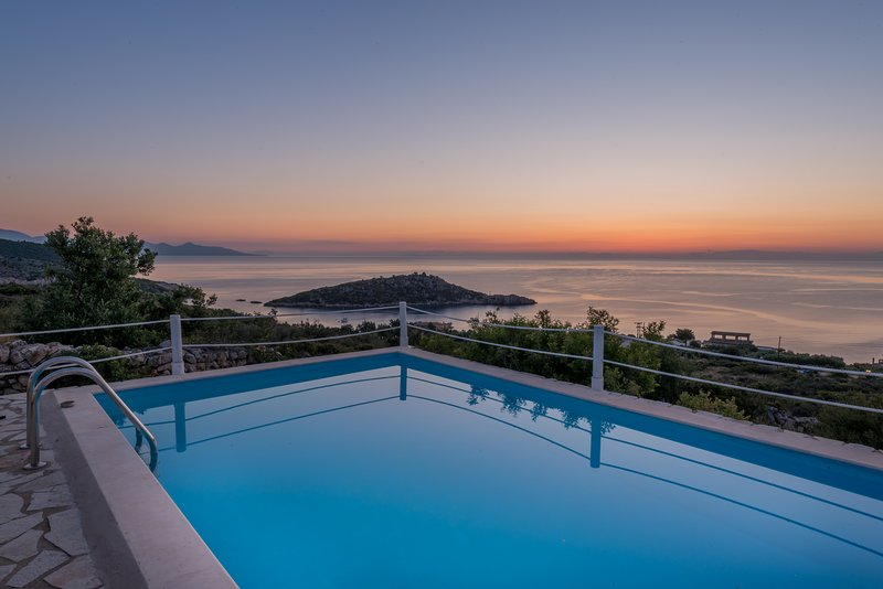 ORFOS VILLAS (2 bedroom villa with private pool), holiday rental in Varvara