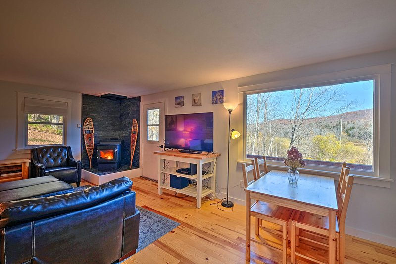 Stratton Mountain Home w/ View - 2 Mi to Ski Lift!, alquiler vacacional en Bondville