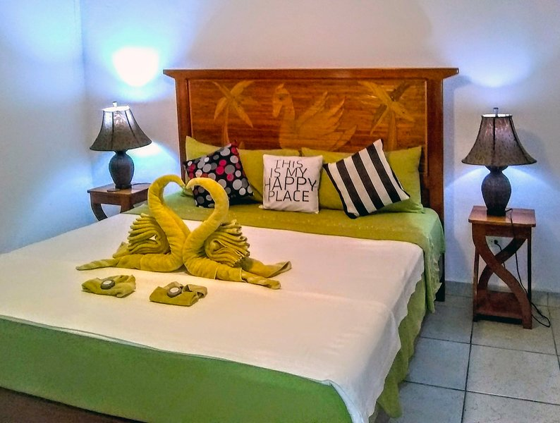King suit, holiday rental in Isla Bastimentos