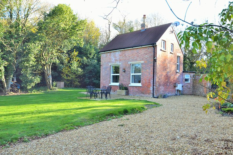 Beechwood Cottage, vacation rental in Ryde