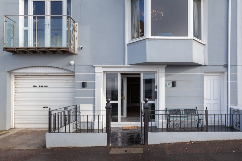 Portrush Harbour (Kerr St) townhouse.  Sleeps 19, holiday rental in County Antrim