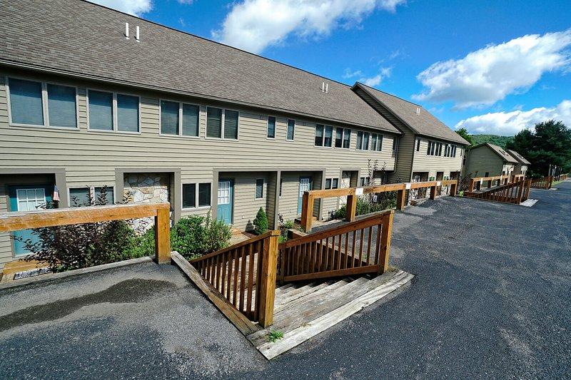 Deep Creek Village #36, vacation rental in McHenry
