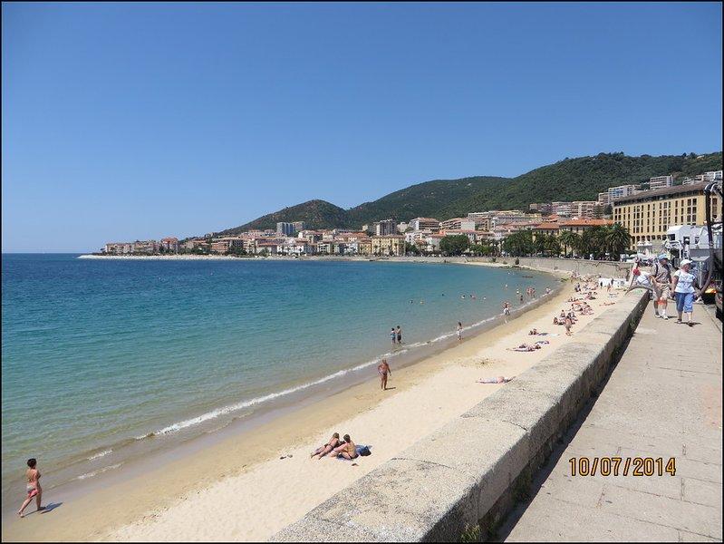 Location Vacances Corse, Climatisé 2 chambres, Vue, vacation rental in Ajaccio
