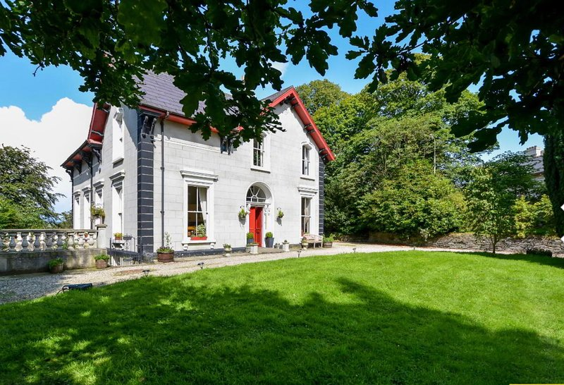 Fountain Hill House - 6 Bedroom-Period Home, alquiler vacacional en Muff