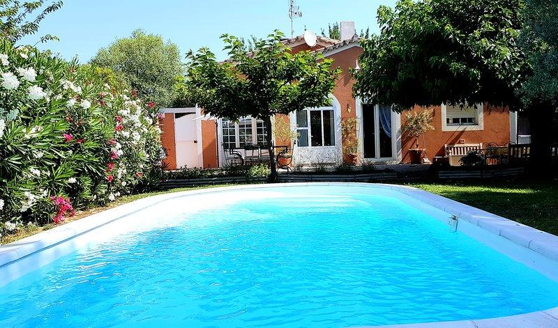 Villa Piscine Privée proche Rivière (Protocole Anti-Virus), vacation rental in L'Isle-sur-la-Sorgue