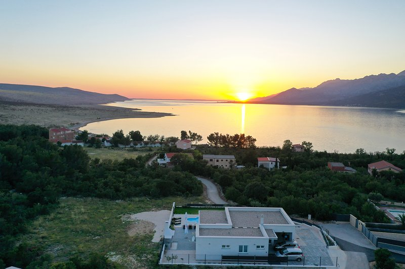 Cosy Villa Immortelle with pool and sea view New, vacation rental in Rovanjska