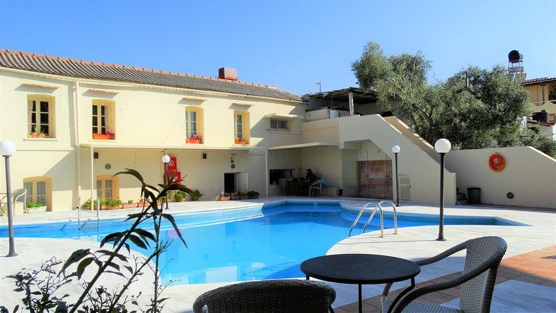 Orestis House, location de vacances à Stalos