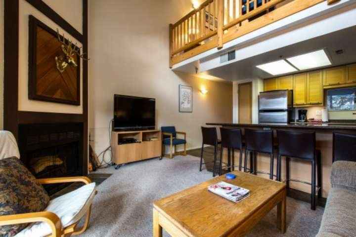 HDTV con cavo Comcast / WiFi / divano letto / ampio bar per la colazione w. Posti a sedere per 5