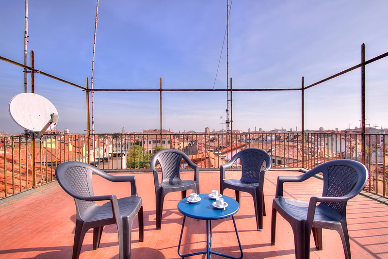 Common rooftop terrace, 360 view