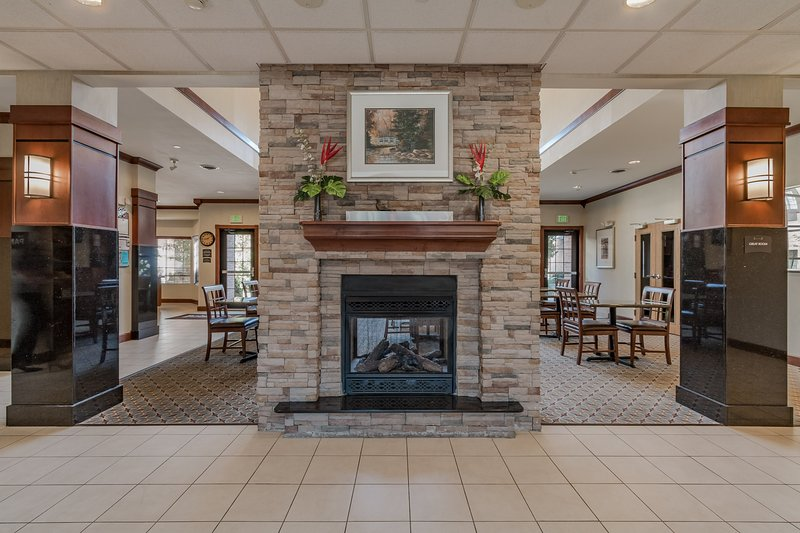 The welcoming lobby provides a lounge area for guests to relax.