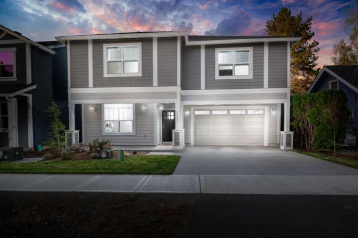Stay at this brand new home in a fantastic new Beaverton subdivision.