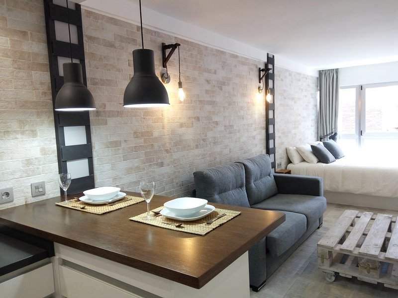 LOFT Bazán 401: Central and in the Most Enjoyable Area, holiday rental in San Isidro de Albatera