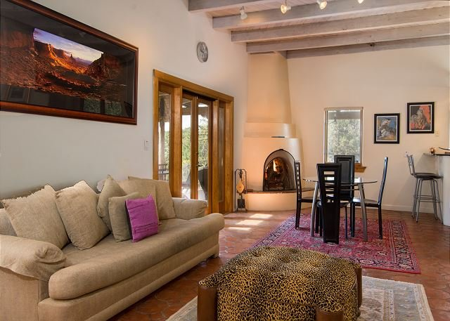 Sprawling Private Santa Fe Manor w/ Opulent Outdoor Entertaining - Near Plaza, holiday rental in Tesuque