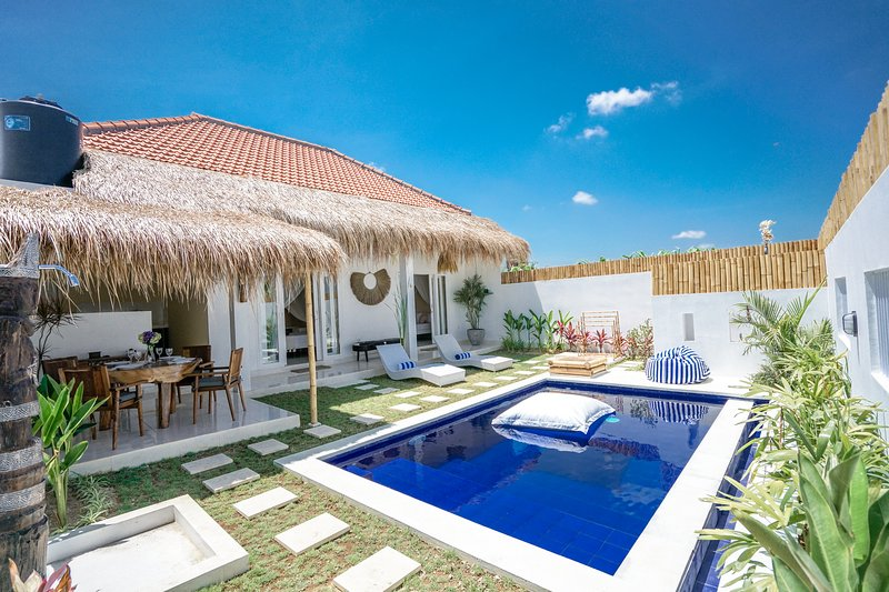 Brand new cozy villa with pool in Canggu, holiday rental in Kerobokan Kaja