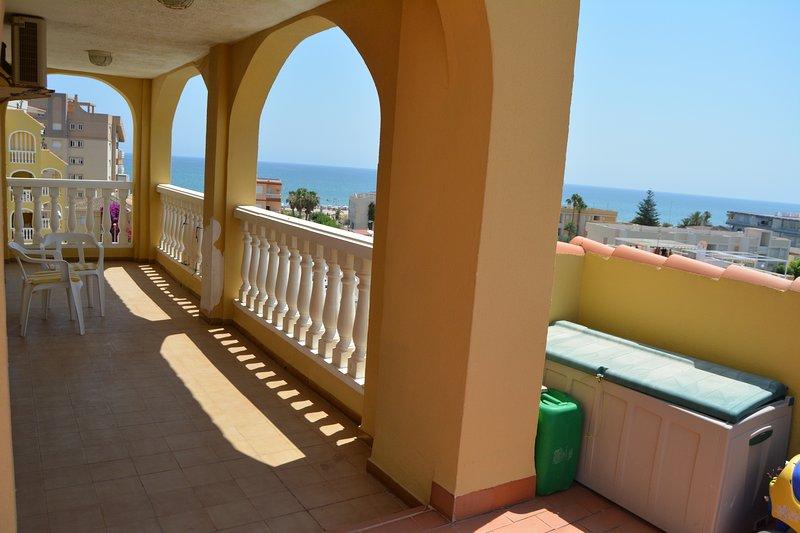 Estupendo Atico en la Playa de 160 m2, vacation rental in Xeraco