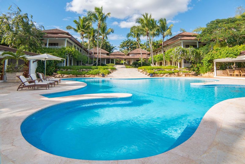Captivating and extensive property with ocean and golf views in Casa de Campo, holiday rental in El Limon