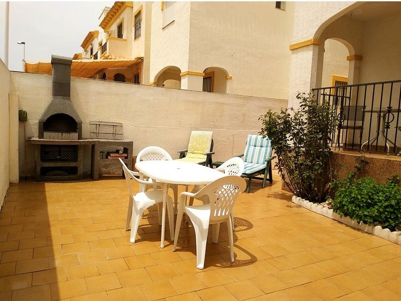 Beautiful house with pool access, holiday rental in Monte Faro