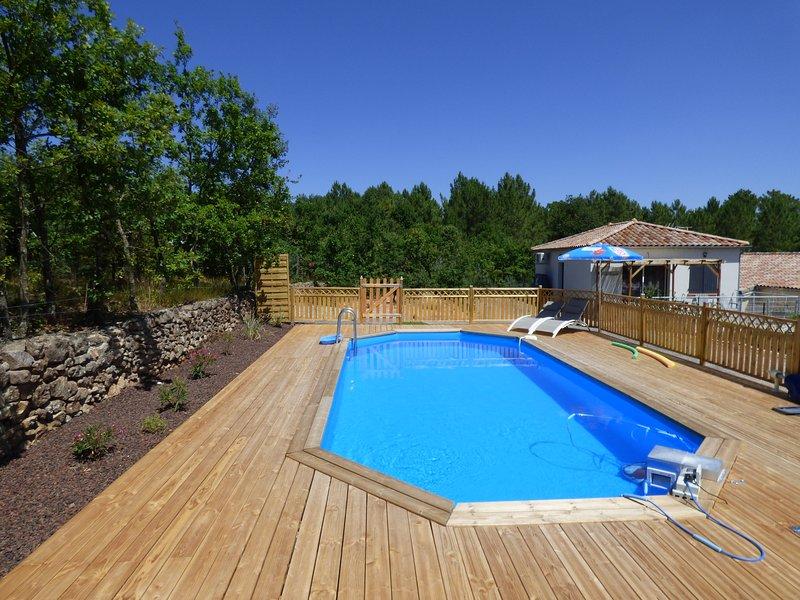 GITE 4 personnes Le Pequelet avec piscine, casa vacanza a Payzac