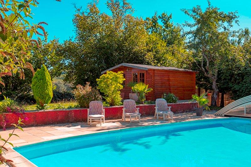 La piscine et les 2 saunas et jacuzzi