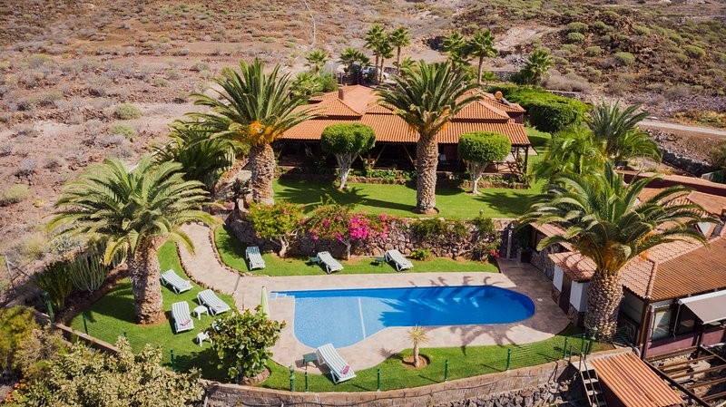 Casa con vistas espectaculares al mar y a La Gomera., holiday rental in Alcala