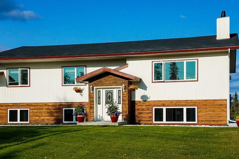 NEW! Fairbanks Alaskan Abode, 1 Mi to Pioneer Park, vacation rental in Fairbanks