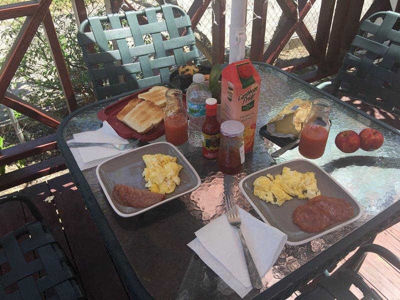 frukost på däck ...