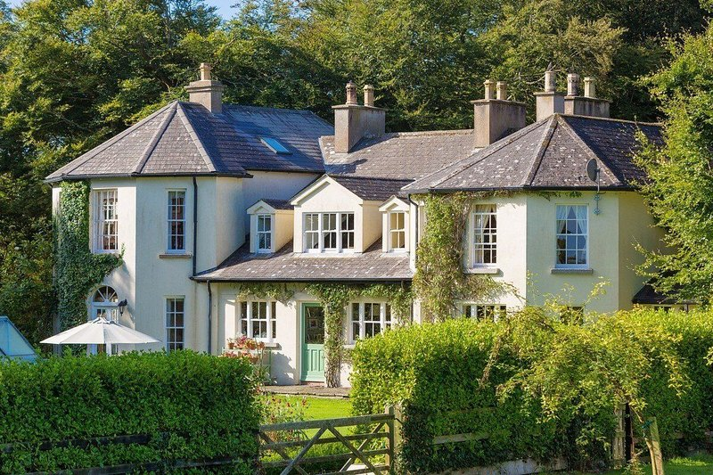 Ballyrane House Estate, Killinick, Rosslare Strand, Co. Wexford - Large Luxury R, vacation rental in Rosslare Harbour