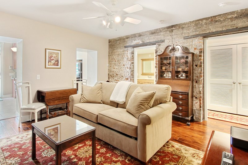 Change of Place Garden Level, holiday rental in Georgetown