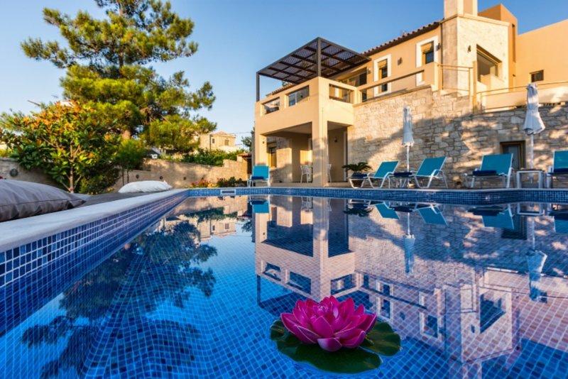 Palladio Luxury Villa, aluguéis de temporada em Roussospiti