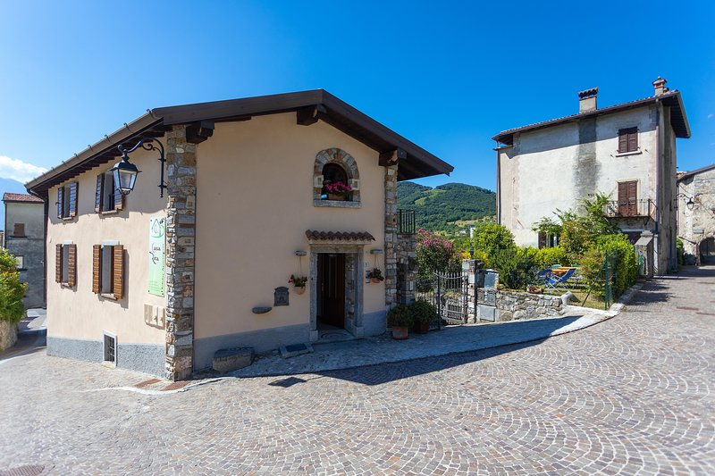 Casa Rita - Appartamento 2, casa vacanza a Tremosine sul Garda