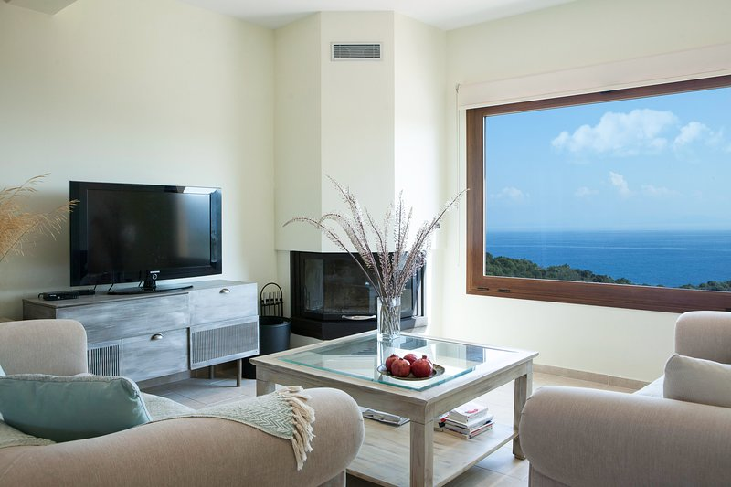 Family Vacation home with Views in Heart of Mani!, location de vacances à Porto Kagio