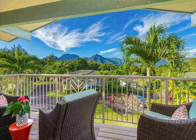 Stunning views of the mountains on your covered lanai