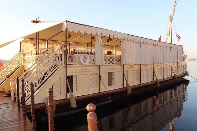 Saray El Nil Dahabiya Nile Cruise, holiday rental in Luxor