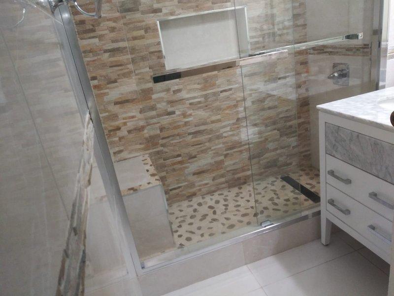 Baño recientemente renovado (nov, 2109)