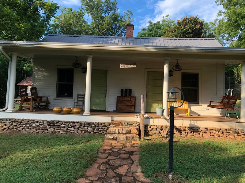 The Cottage, holiday rental in Opelika