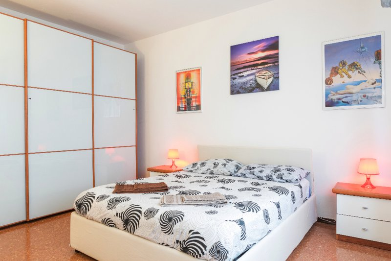 Italia Holiday Apartment, holiday rental in Tessera