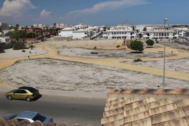 La Cinuelica R15, 1st flr apt with 2 com pool L164, holiday rental in Punta Prima