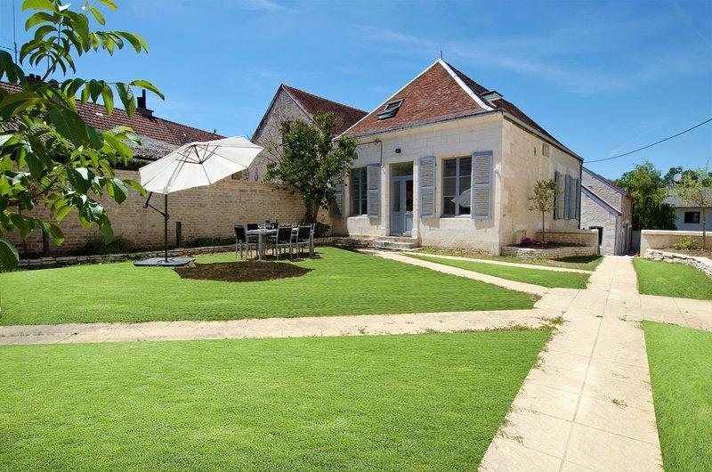 La Villa Lombardi au coeur du village de Les Riceys en Champagne, holiday rental in Cruzy-le-Chatel